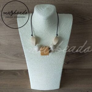 Chunky natural wooden bead necklace
