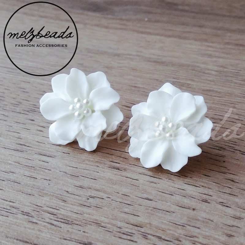 White camellia flower stud earrings shop vintage earrings online 1whiteflowerearrings1 mightylinksfo